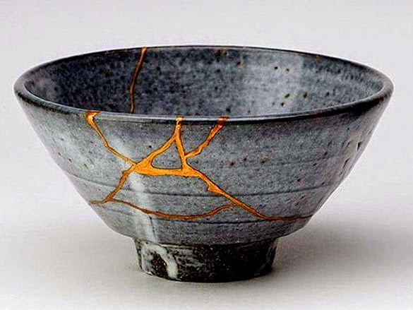 kintsugi-creating-art-or-wabisabi-out-of-things-broken-theflyingtortoise.jpg