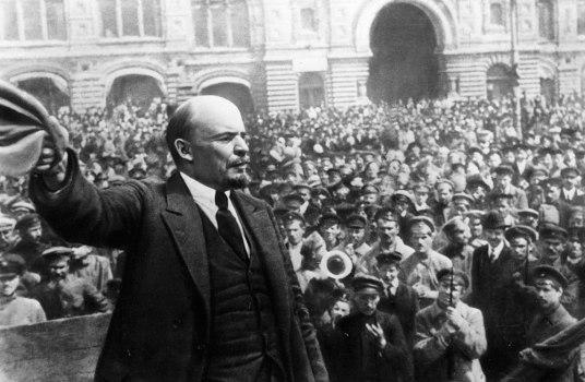 LeninSovietsoldados.jpg